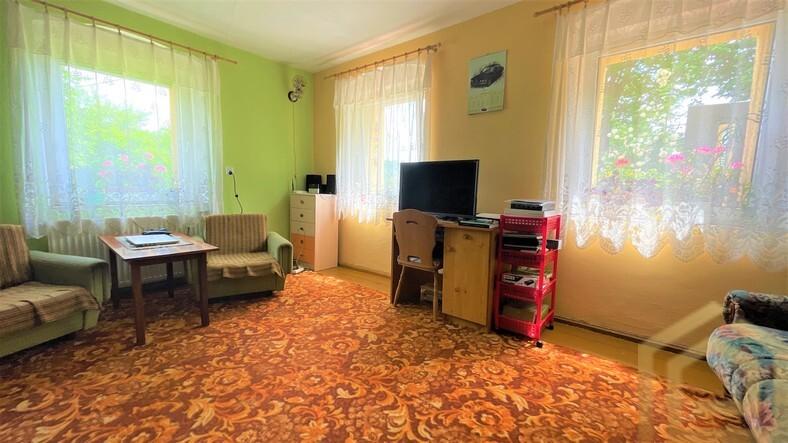 dom_miedziana_ogródek_Garaż_dobra_lokalizacja_na_sprzedaż_Biuro_nieruchomości_Łowejko_lubań